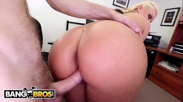 Sexo Explicito Loira Cavala Engolindo uma Rola