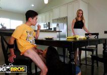 Video Sexo Maya Bijou Metendo com Irmão