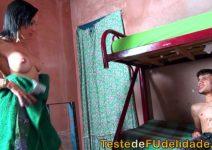 Hotboys Comendo a Prima Gostosa na Favela